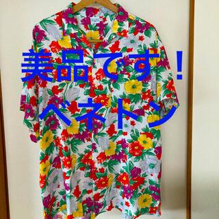 ベネトン(BENETTON)の美品です!ベネトン フラワープリント フワサラ生地 オープンカラーシャツ(シャツ)
