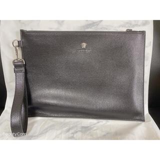 ヴェルサーチ(VERSACE)のVERSACE ヴェルサーチ クラッチバック 黒 美品(セカンドバッグ/クラッチバッグ)
