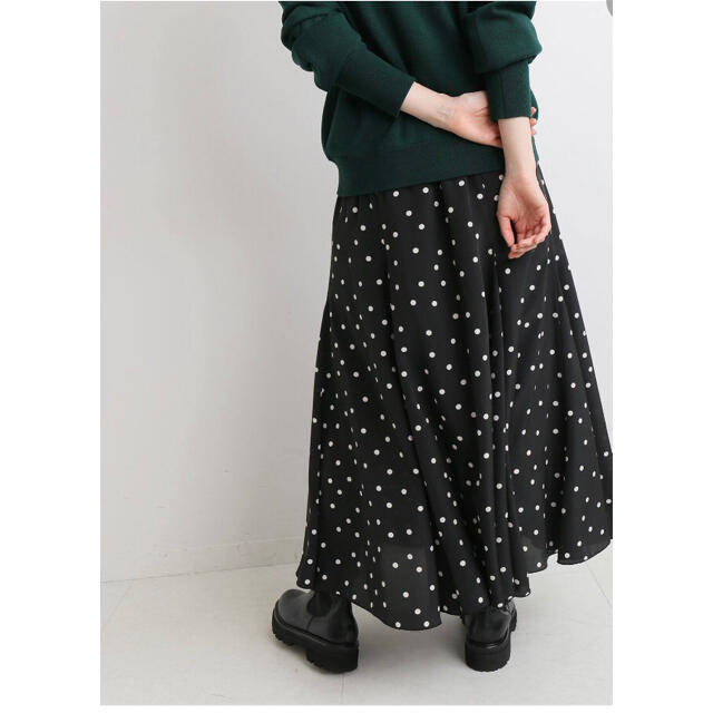 IENA(イエナ)の新品未使用 IENA イエナ ドットパネルフレアスカート サイズ38  レディースのスカート(ロングスカート)の商品写真