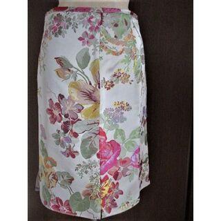 ミュウミュウ(miumiu)の◆miu miu 花模様スカート ミュウミュウ◆PRADA(ひざ丈スカート)