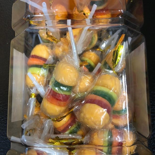 地球グミ 10個 オマケ付き 食品/飲料/酒の食品(菓子/デザート)の商品写真