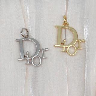 ディオール(Dior)のディオール シルバー、ゴールド チャーム ボタン 2個(各種パーツ)