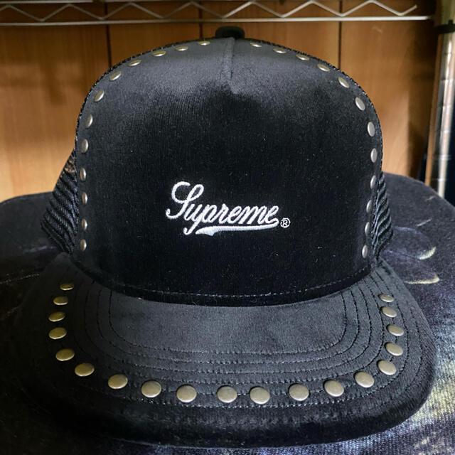 Supreme(シュプリーム)のSupreme Studded Velvet Mesh Back 5-Panel メンズの帽子(キャップ)の商品写真