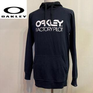 オークリー(Oakley)のOAKLEY オークリー パーカー 裏起毛◆ブラック  Mサイズ(モトクロス用品)