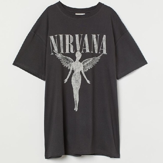 エイチアンドエム(H&M)のH&M✕NIRVANAオーバーサイズバンドTシャツ(Tシャツ/カットソー(半袖/袖なし))