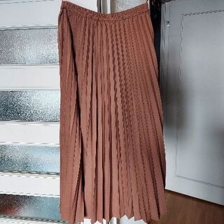 UNIQLO - ユニクロ ロングプリーツスカート 新品