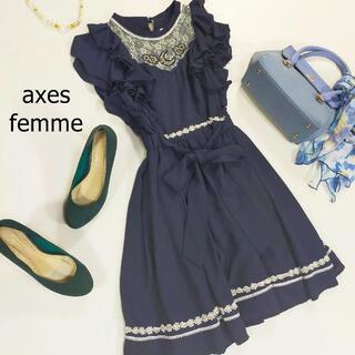 アクシーズファム(axes femme)のアクシーズファム ワンピース ネイビー 袖フリル 刺繍 ミニ丈 レース サイズM(ミニワンピース)