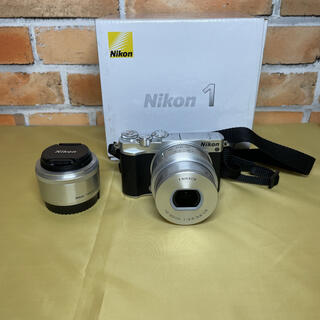 Nikon - NIKON 1 J5モデル ズームレンズキット