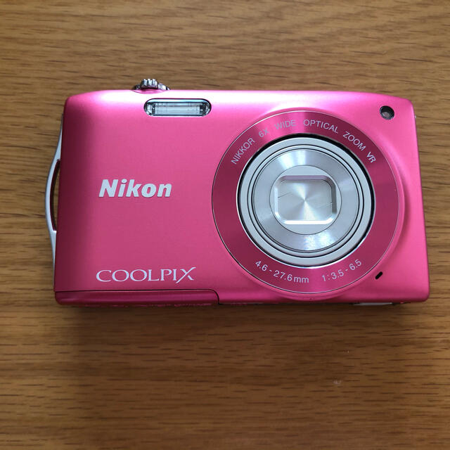Nikon(ニコン)のデジカメ Nikon COOLPIX  S3300 スマホ/家電/カメラのカメラ(コンパクトデジタルカメラ)の商品写真