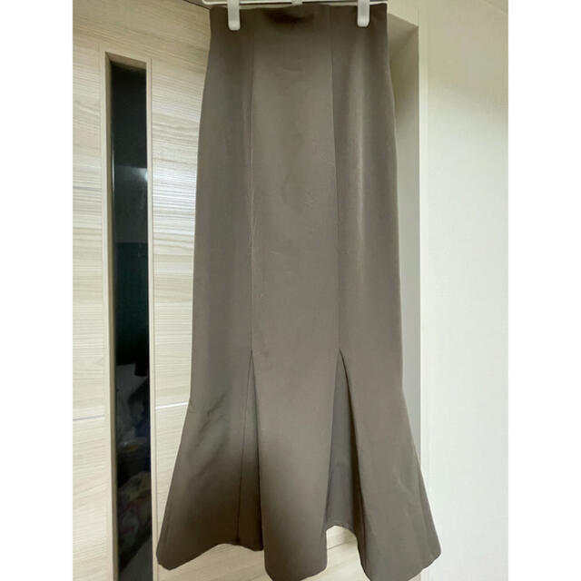 snidel(スナイデル)の新品未使用 snidel ハイウエストヘムフレアツイルスカート サイズ1 レディースのスカート(ロングスカート)の商品写真
