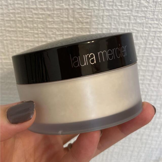 laura mercier(ローラメルシエ)のローラメルシエ ルースセッティングパウダー トランスルーセント29g コスメ/美容のベースメイク/化粧品(フェイスパウダー)の商品写真