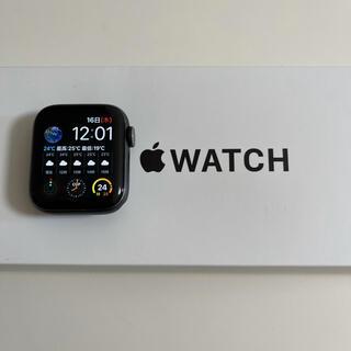 アップル(Apple)のApple Watch SE 40mm GPSモデル バッテリー98% 美品(その他)