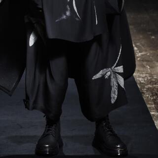 ヨウジヤマモト(Yohji Yamamoto)のYohji yamamoto 21aw 蜻蛉シルクパンツ(スラックス)