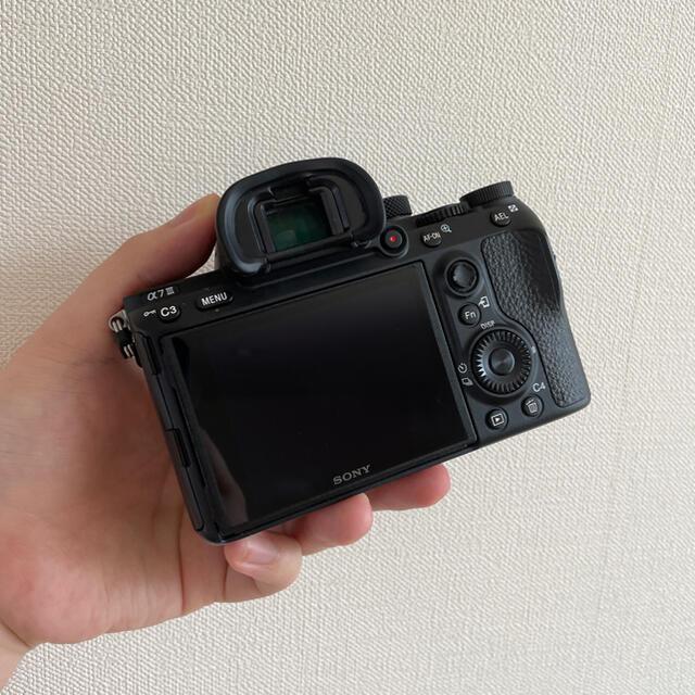 SONY(ソニー)のSONY α7iii フルサイズミラーレスカメラ スマホ/家電/カメラのカメラ(ミラーレス一眼)の商品写真