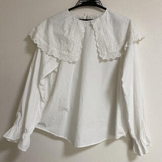 チェスティ(Chesty)のビックカラー フリルブラウス ホワイト 韓国ファッション(シャツ/ブラウス(長袖/七分))