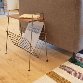 天然木(アカシア/無垢)ミッドセンチュリー 木製サイドテーブル(金色/ゴールド)