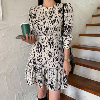 STYLENANDA - 【予約商品】《2カラー》レオパード ミニ フリルワンピ 韓国ファッション 秋服
