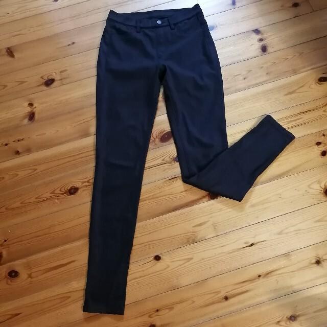 UNIQLO(ユニクロ)のUNIQLO スリムフィット黒 レディースのパンツ(スキニーパンツ)の商品写真