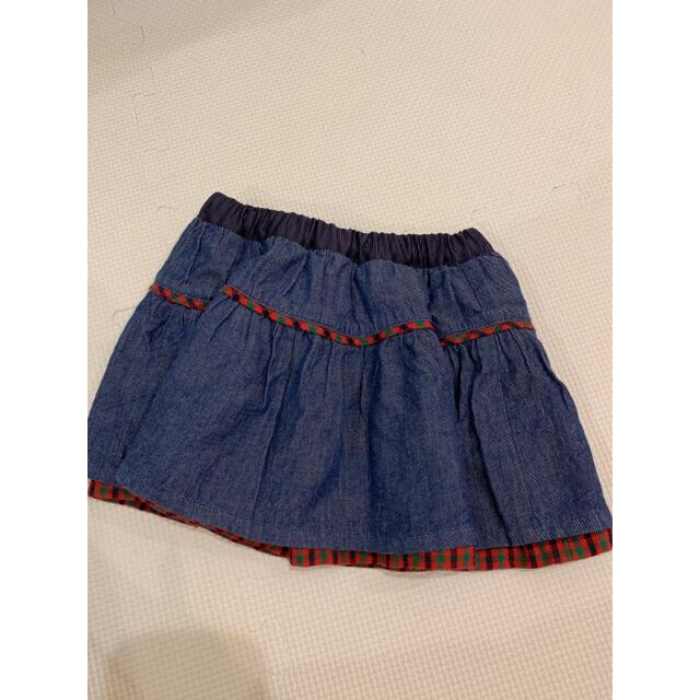 familiar(ファミリア)のファミリア 赤チェック リバーシブル スカート 90 キッズ/ベビー/マタニティのキッズ服女の子用(90cm~)(スカート)の商品写真
