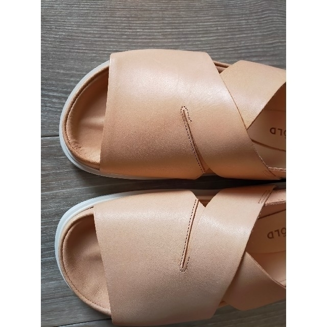 ENFOLD(エンフォルド)の新品タグ付 ENFOLD フラットサンダル 定価39600円 レディースの靴/シューズ(サンダル)の商品写真