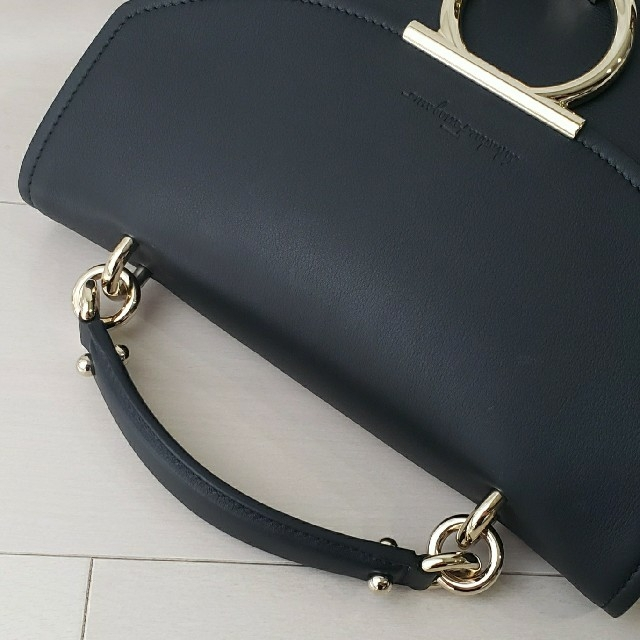 Salvatore Ferragamo(サルヴァトーレフェラガモ)のこちらは専用です レディースのバッグ(ハンドバッグ)の商品写真