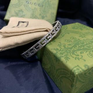 Gucci - GUCCI ブレスレット スクエアロゴ メンズ/レディース