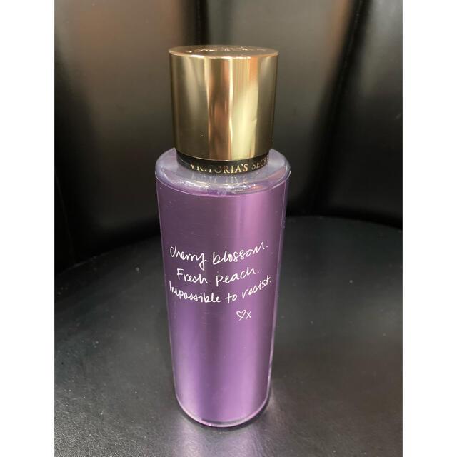 Victoria's Secret(ヴィクトリアズシークレット)のVICTORIA'S SECRET LOVE SPELL フレグランスミスト コスメ/美容の香水(香水(女性用))の商品写真
