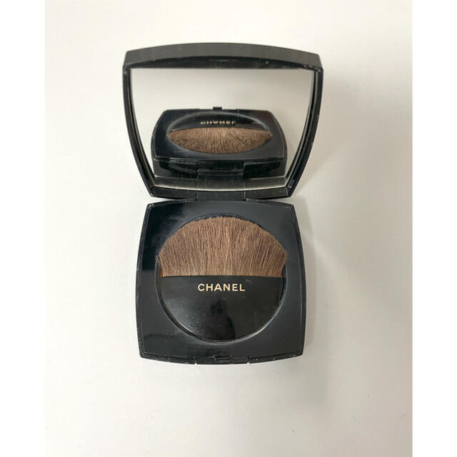 CHANEL(シャネル)のCHANEL フェイスパウダー コスメ/美容のベースメイク/化粧品(フェイスパウダー)の商品写真