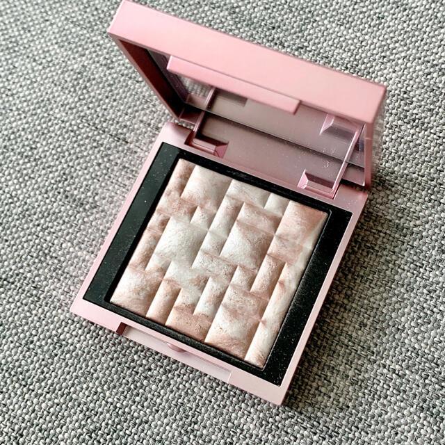 BOBBI BROWN(ボビイブラウン)のボビイブラウン ハイライティングパウダー ピンクグロウ限定ミニサイズ コスメ/美容のベースメイク/化粧品(フェイスカラー)の商品写真