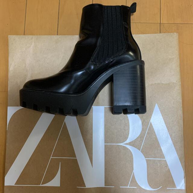 ZARA(ザラ)の1度のみ 着用 ZARA ザラ 厚底 サイドゴア ショートブーツ レディースの靴/シューズ(ブーツ)の商品写真