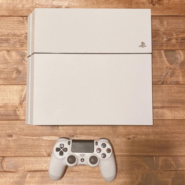 PlayStation4(プレイステーション4)のps4 本体 コントローラー  初期ケーブル付き エンタメ/ホビーのゲームソフト/ゲーム機本体(家庭用ゲーム機本体)の商品写真