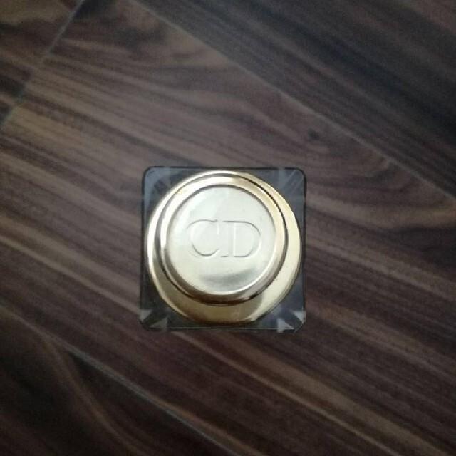 Christian Dior(クリスチャンディオール)のディオール 美容液 容器 コスメ/美容のスキンケア/基礎化粧品(美容液)の商品写真