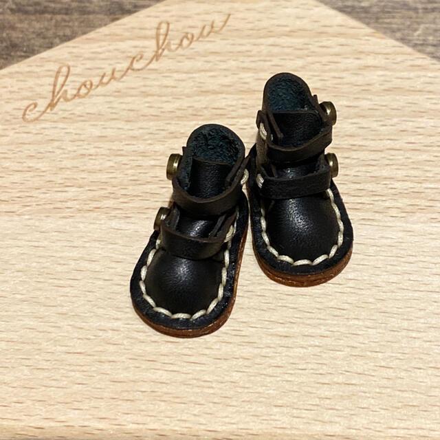 イーマリー、ブライス、リカちゃんサイズの靴 エンタメ/ホビーのおもちゃ/ぬいぐるみ(その他)の商品写真