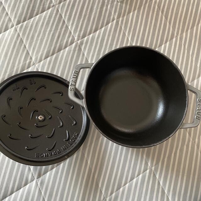 STAUB(ストウブ)のSTAUB 鍋 インテリア/住まい/日用品のキッチン/食器(鍋/フライパン)の商品写真