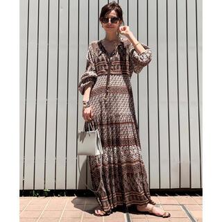 アパルトモンドゥーズィエムクラス(L'Appartement DEUXIEME CLASSE)のL'Appartement⭐︎BLUE BOHEME Printed Dress(ロングワンピース/マキシワンピース)