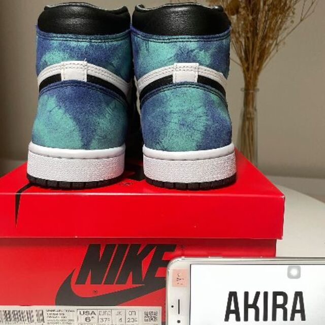 NIKE(ナイキ)のNIKE WMNS AIR JORDAN 1 OG TIE-DYE 23.5cm レディースの靴/シューズ(スニーカー)の商品写真