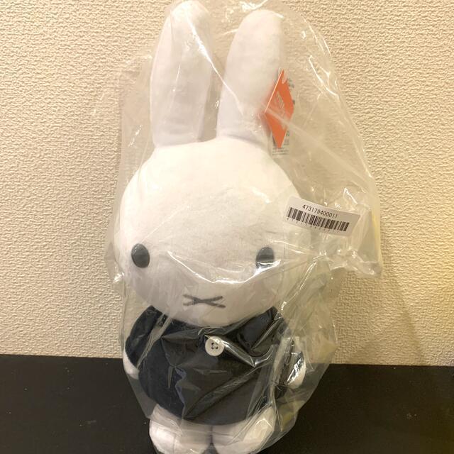 TAITO(タイトー)のmiffy ミッフィー SLサイズ ぬいぐるみ モノトーン ブラック エンタメ/ホビーのおもちゃ/ぬいぐるみ(ぬいぐるみ)の商品写真