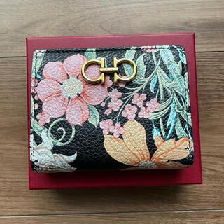 サルヴァトーレフェラガモ(Salvatore Ferragamo)のフェラガモ  お花柄 二つ折り財布 (財布)