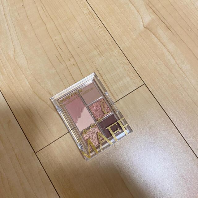 Maffick 6色アイシャドウパレット 02 コスメ/美容のベースメイク/化粧品(アイシャドウ)の商品写真