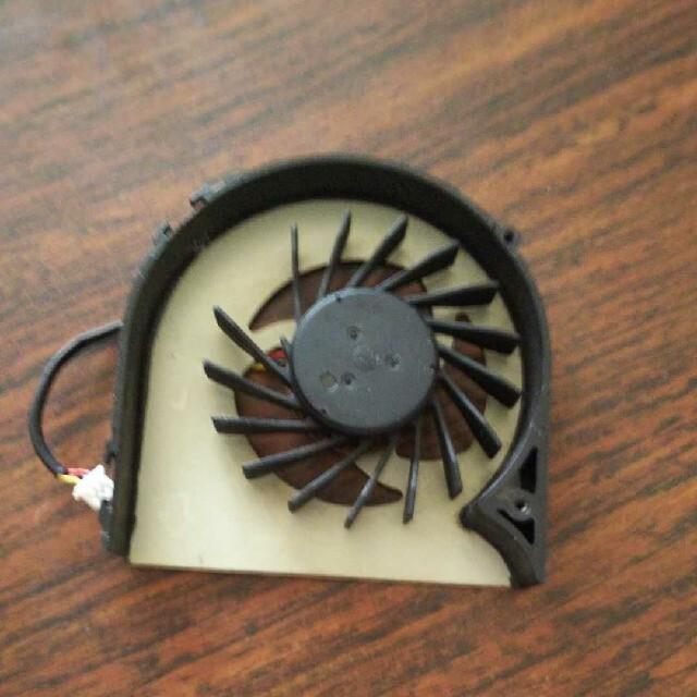 ノートpcファン スマホ/家電/カメラのPC/タブレット(PC周辺機器)の商品写真