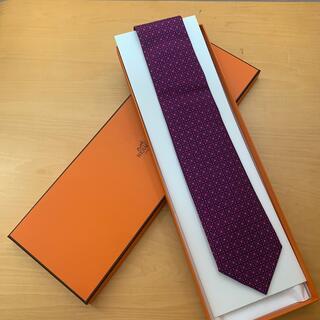 Hermes - 【未使用】エルメス ネクタイ 赤紫