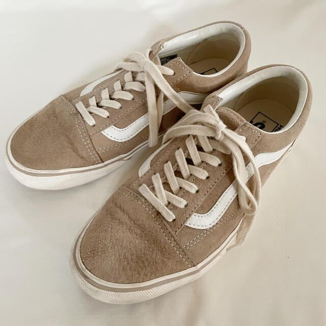 VANS(ヴァンズ)のVANS オールドスクール ベージュ 24.5cm レディースの靴/シューズ(スニーカー)の商品写真
