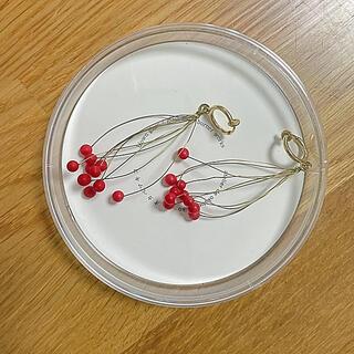 mina perhonen - オカベマキコ ガラス ロンドイヤリング