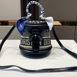 Dior - Dior 超美しい ディオール ショルダーバッグ
