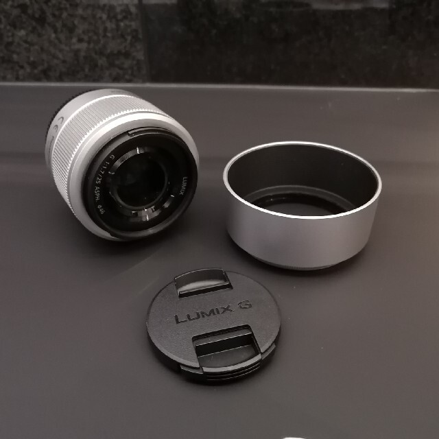 Panasonic(パナソニック)のPanasonic LUMIX 25mm F1.7 単焦点レンズ スマホ/家電/カメラのカメラ(レンズ(単焦点))の商品写真