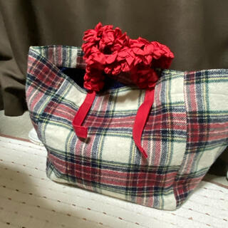 ラドロー(LUDLOW)のラドロートートバック チェック柄 ウール赤リボン(トートバッグ)