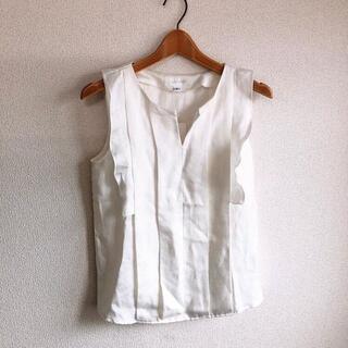 ジルスチュアート(JILLSTUART)のJILLSTUART♡新品♡フリルノースリシャツ♡ホワイトS♡ジルスチュアート♡(シャツ/ブラウス(半袖/袖なし))