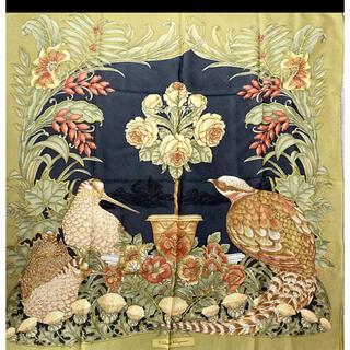 フェラガモ(Ferragamo)の新品同様 フェラガモ 鳥柄 シフォン系 大判スカーフ(バンダナ/スカーフ)