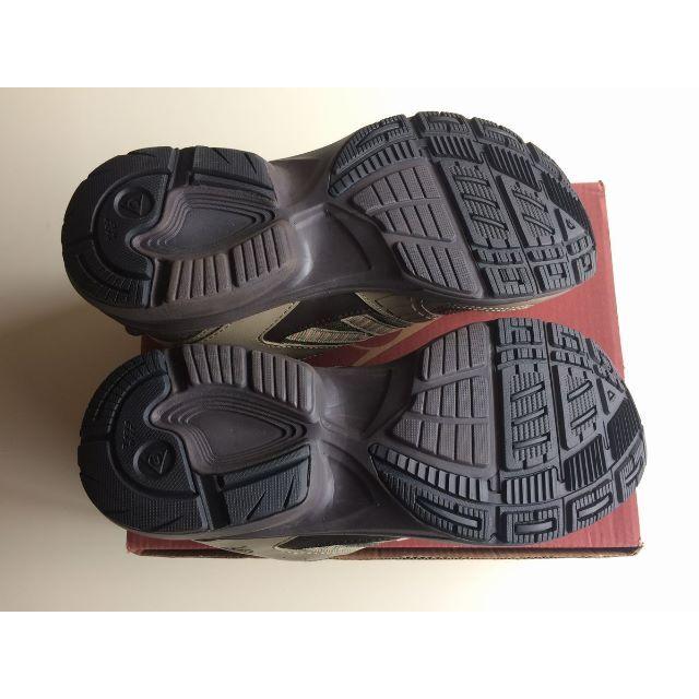 DUNLOP(ダンロップ)の新品未使用 DUNLOP 27.0cm マックスラン シューズ おまけ付き メンズの靴/シューズ(スニーカー)の商品写真