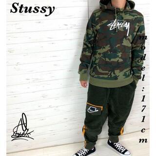 ステューシー(STUSSY)の《入手困難》Stussy ステューシー パーカー L☆迷彩 カモフラージュ 刺繍(パーカー)